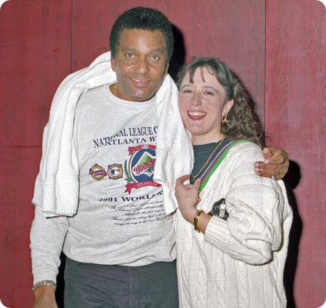 Charley Pride (Friday 18 March 1934 - Saturday 12 December 2020) & Sarah Jory during a United Kingdom tour in 1990, which was organised by Ritz Records