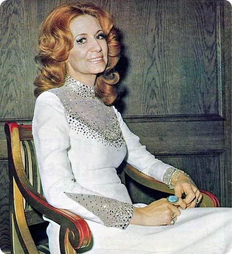 Dottie West (Tuesday 11 October 1932 - Wednesday 4 September 1991)
