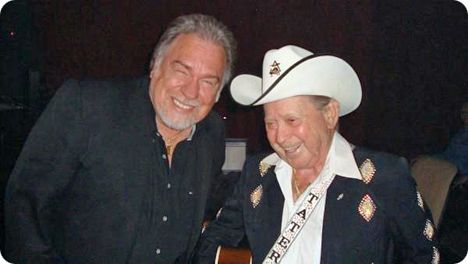 Gene Watson and Little Jimmy Dickens backstage at The Grand Ole Opry in Nashville on Tuesday 26 August 2009